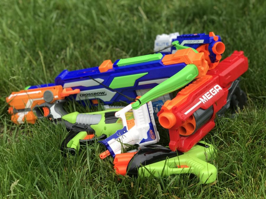 Students+choose+from+a+variety+of+Nerf+gun+styles+to+compete+in+the+annual+dart+wars+competition.+